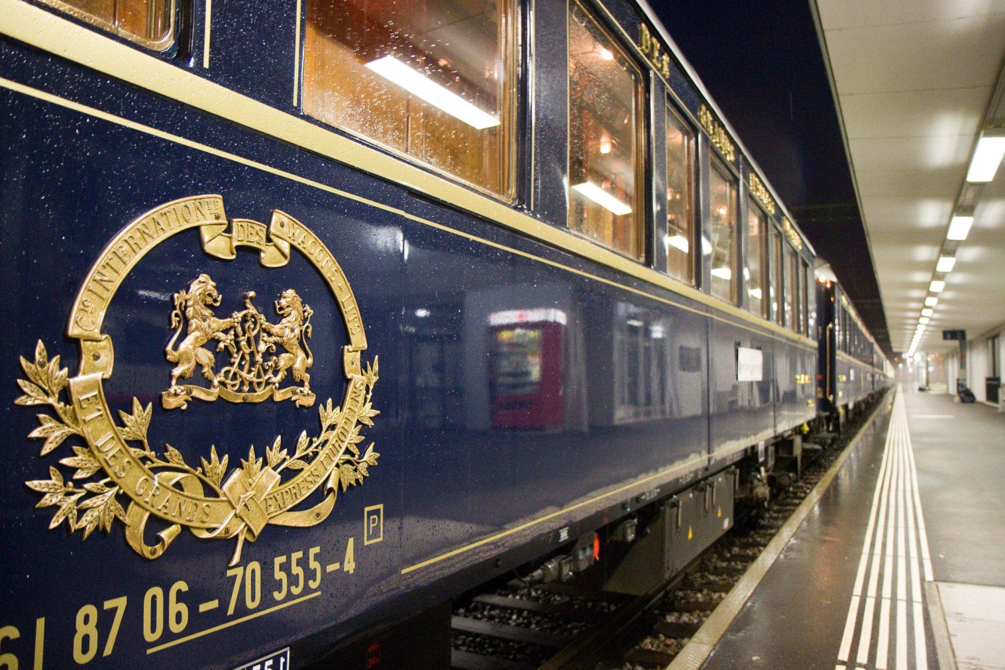 Orient Express Rolling Stock Carriage External